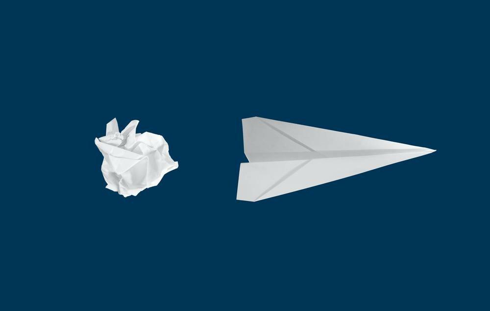 Photo d'un avion en papier